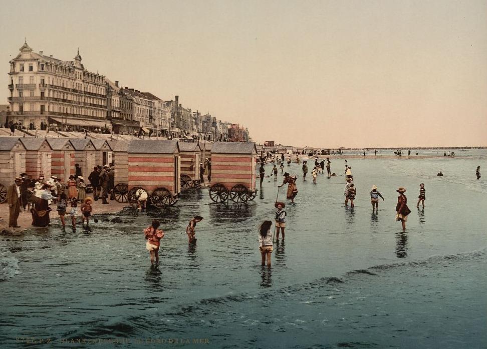 machine bain cabine plage mer 04 Des cabines de bain mobiles pour se baigner en toute dignité