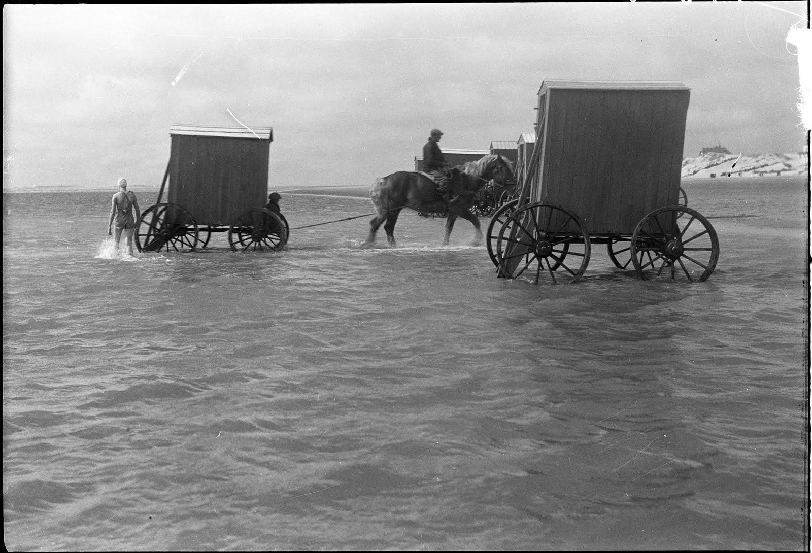 machine bain cabine plage mer 11 Des cabines de bain mobiles pour se baigner en toute dignité