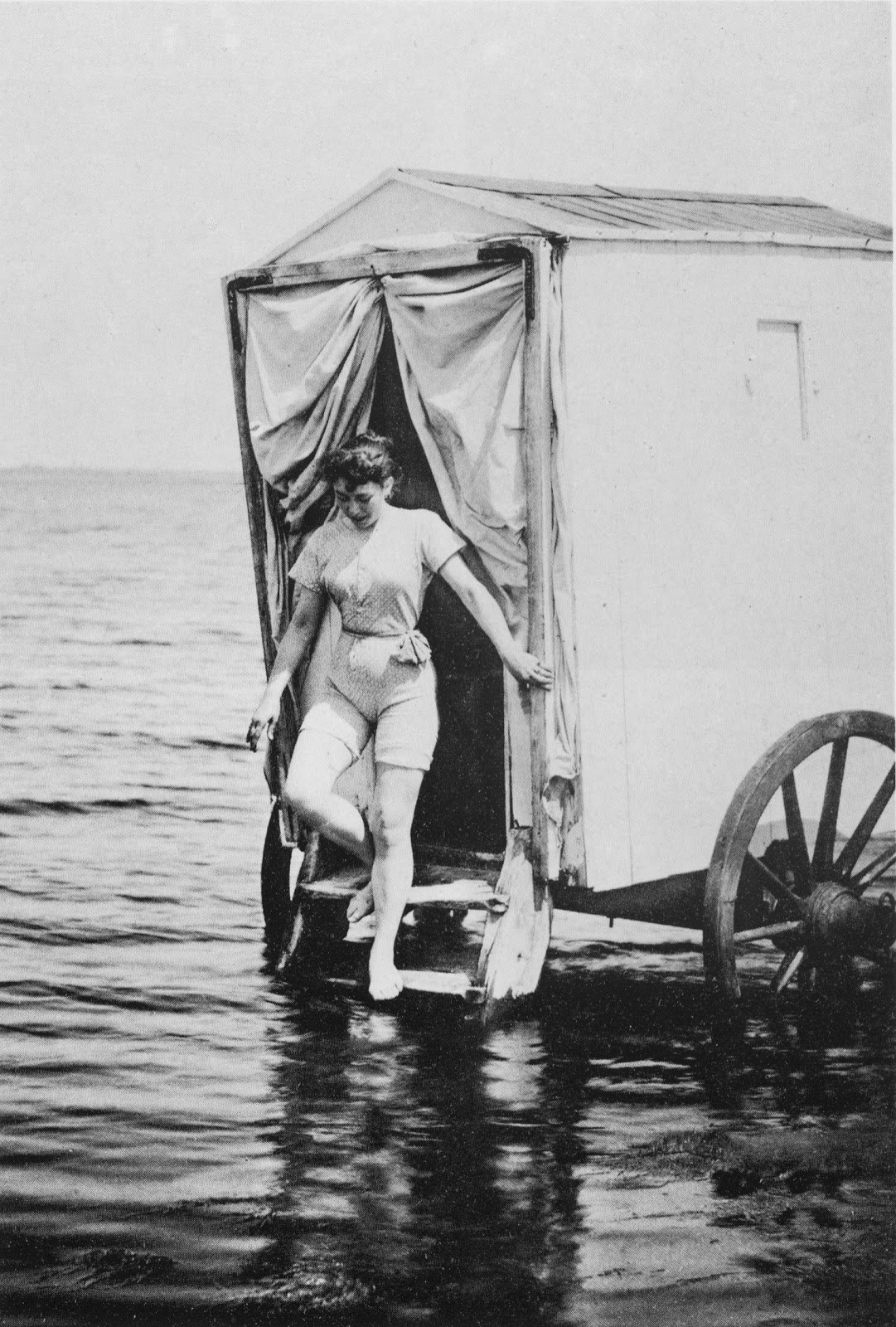machine bain cabine plage mer 19 Des cabines de bain mobiles pour se baigner en toute dignité