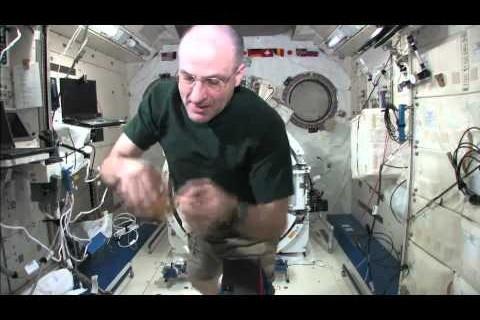 Du Yo-yo dans l'espace