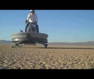 Une moto aéroglisseur