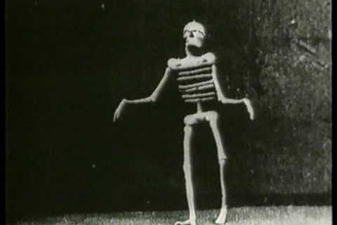 Le squelette joyeux – Auguste & Louis Lumière – 1895