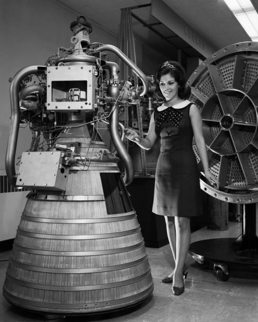 Miss NASA 1968 528x660 Miss Nasa