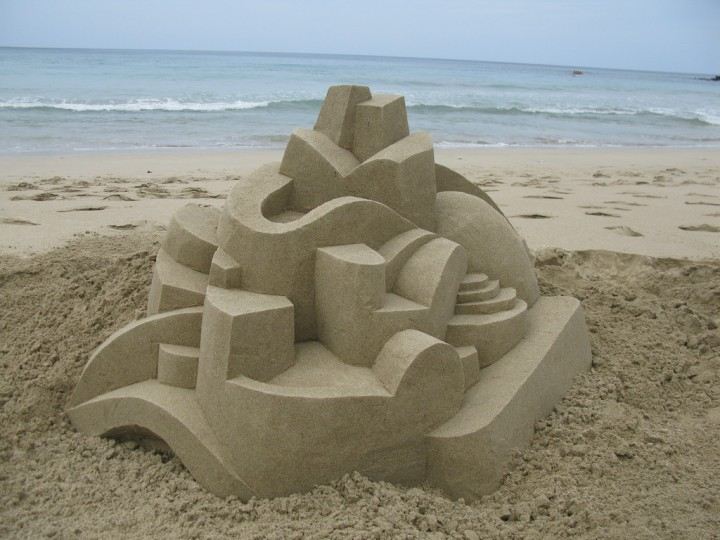 chateau-sable-geometrique-04