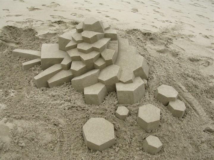 chateau-sable-geometrique-05