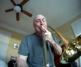 Une GoPro sur la coulisse d'un trombone