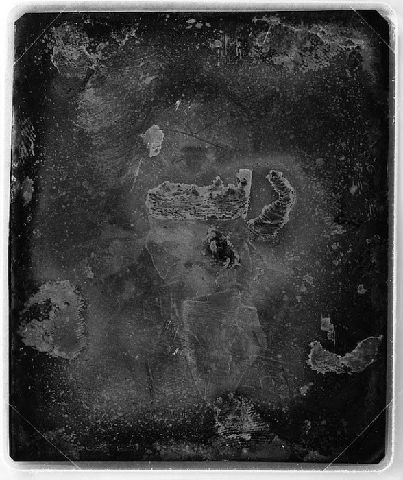 daguereotype degrade 131 588x700 La dégradation des daguerréotypes