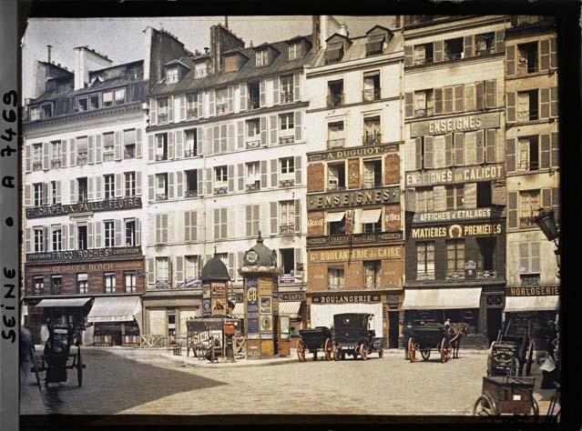 La rue d'Aboukir, vue depuis la place du Caire par Stéphane Passet ©Musée Albert-Kahn - Département des Hauts-de-Seine