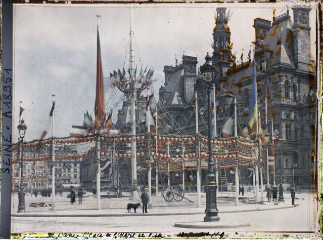 La réception des maréchaux de France à l'hôtel de ville pour les fêtes de la Victoire des 13 et 14 juillet 1919 par Auguste Léon ©Musée Albert-Kahn - Département des Hauts-de-Seine