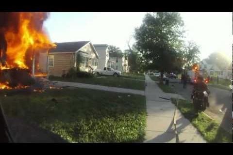 2012 sur le casque d'un pompier