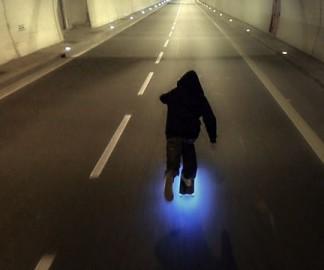 Un skateboard lumineux