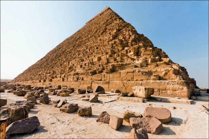 haut pyramide egypte 05 720x480 Au sommet des pyramides de Gizeh  photo lieux divers bonus