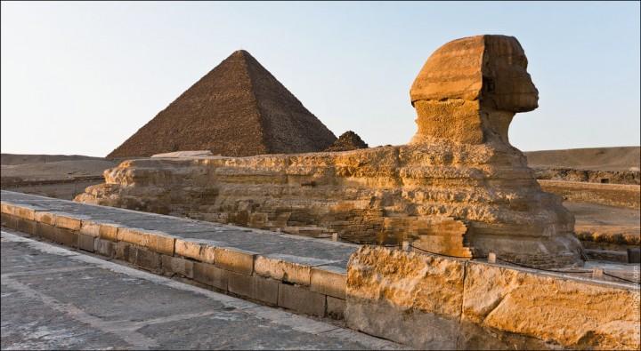 haut pyramide egypte 06 720x395 Au sommet des pyramides de Gizeh  photo lieux divers bonus