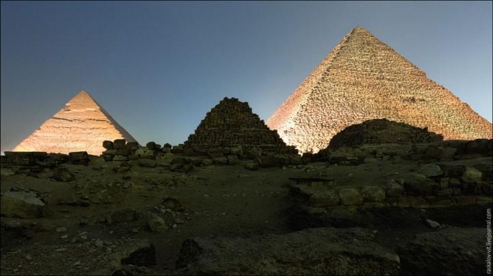 haut pyramide egypte 07 720x403 Au sommet des pyramides de Gizeh  photo lieux divers bonus