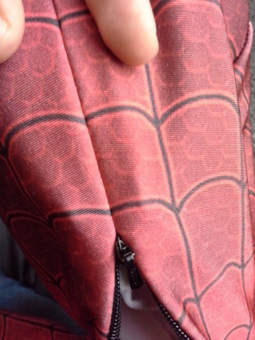 Comment fabriquer un costume de Spiderman Comment fabriquer costume spiderman 04 525x700