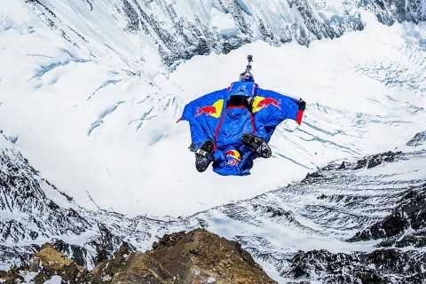 Du basejump depuis le sommet de l'Everest