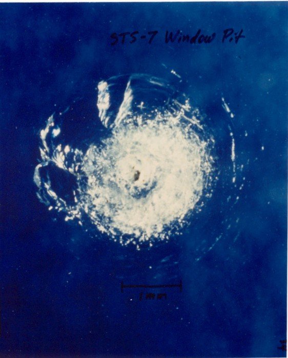 Space_debris_impact_on_Space_Shuttle_window