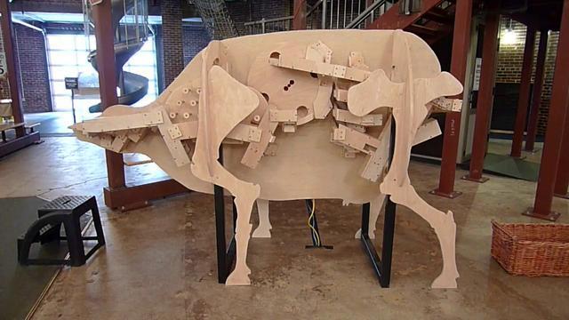 Le système digestif d'une vache en bois