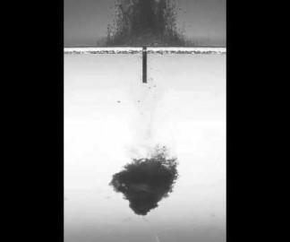 Une explosion sous-marine à 30000 img/s