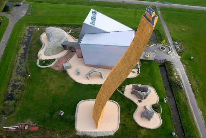 excalibur mur escalade 01 720x484 Excalibur, le mur descalade le plus haut du monde  lieux information bonus