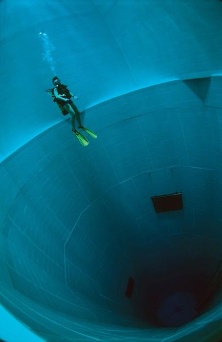 Nemo 33, la piscine la plus profonde du monde  lieux information bonus