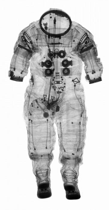 combinaison spatiale rayon x 07 364x700 Lintérieur des combinaison spatiale grâce aux rayons X  technologie photo espace technologie bonus