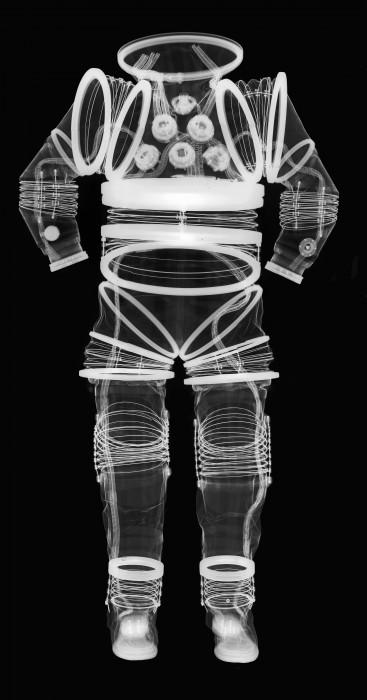 combinaison spatiale rayon x 08 367x700 Lintérieur des combinaison spatiale grâce aux rayons X  technologie photo espace technologie bonus