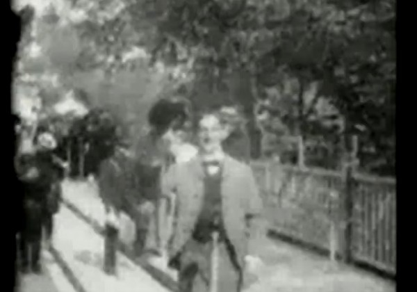 Les trottoirs roulants de Paris en 1900