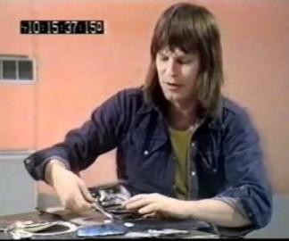 Terry Gilliam explique comment faire des cut-out animations