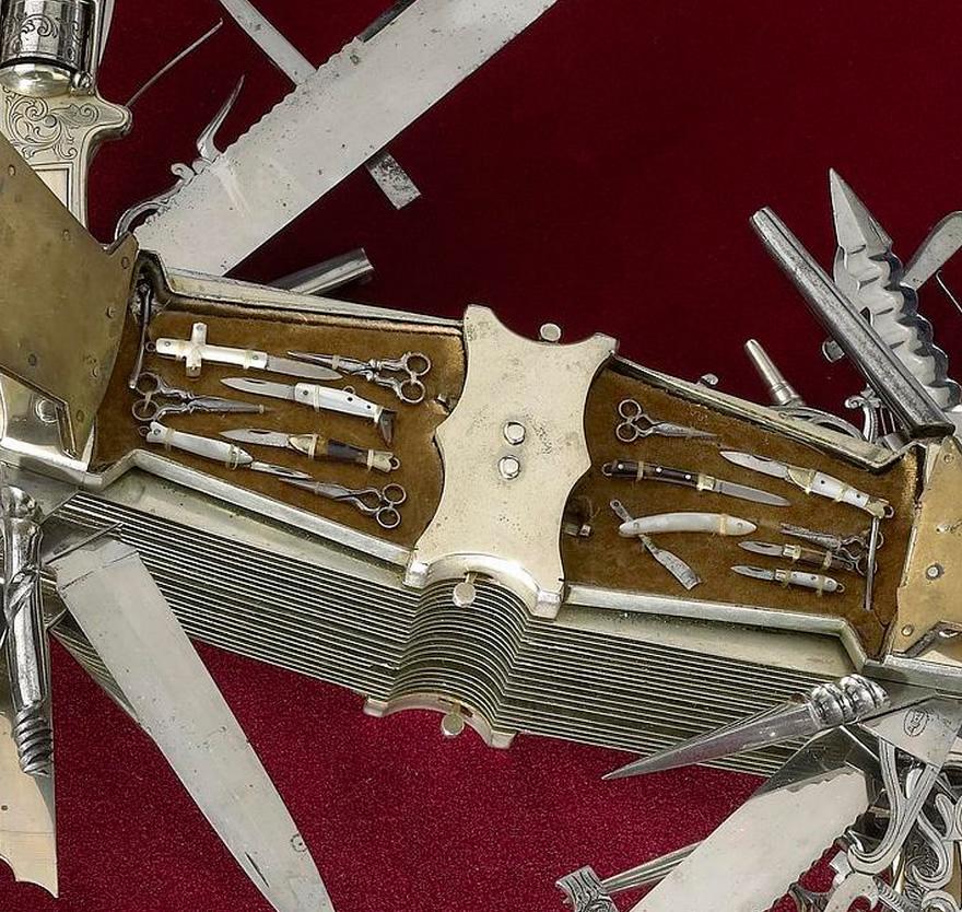 Un Anc 234 Tre Du Couteau Suisse