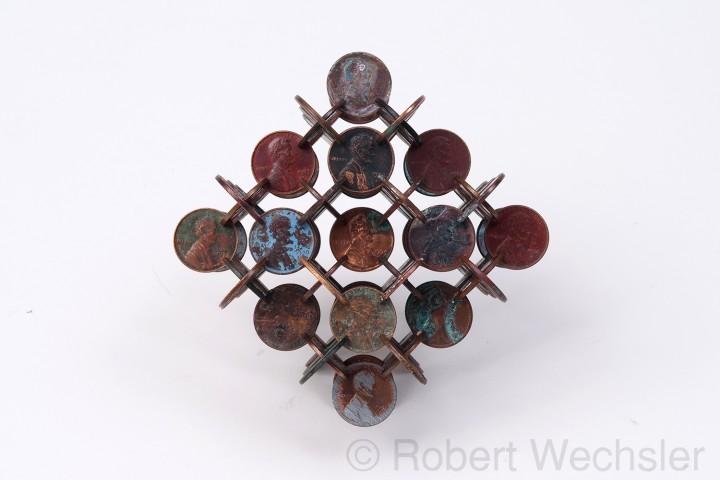 assemblage piece 03 720x480 Des assemblages géométriques de pièces  sculpture bonus art