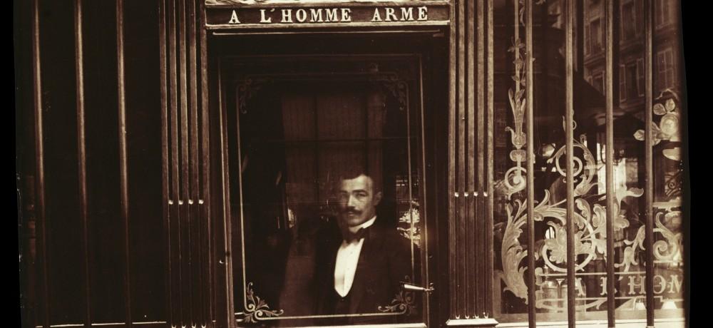 Atget-Paris-Caf-rue-des-Blancs-Manteaux
