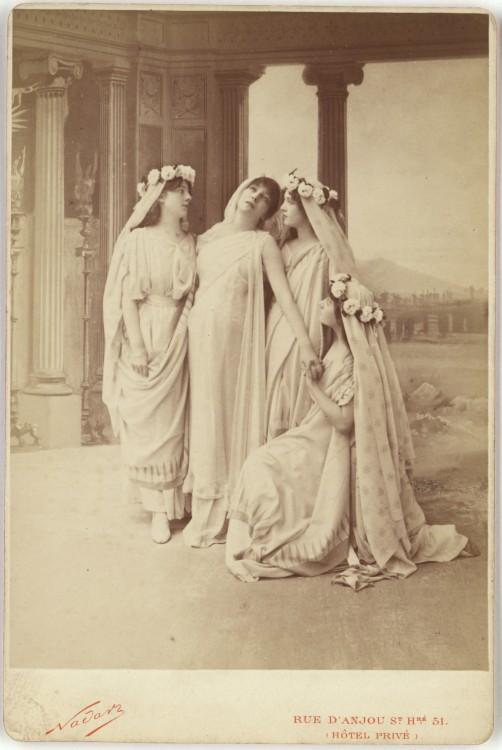 Nadar Portrait Sarah Bernhardt as Phedre in Racines Phaedra 502x750 Les portraits de Nadar  photographie histoire
