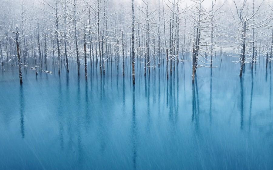lac bleu Hokkaido 02 900x562 Un lac bleu à Hokkaido  lieux information