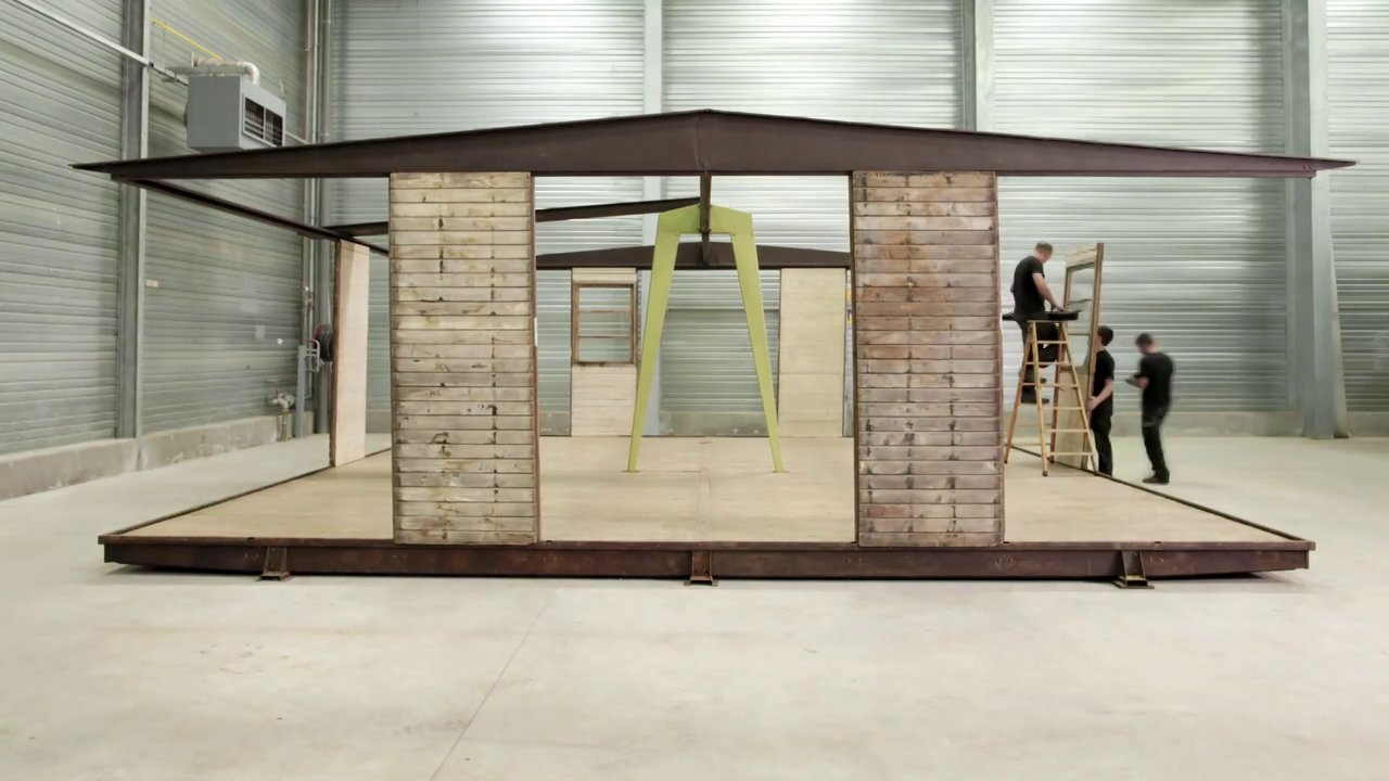 Assemblage de la maison d montable de jean prouv de 1945 - Maison demontable jean prouve ...