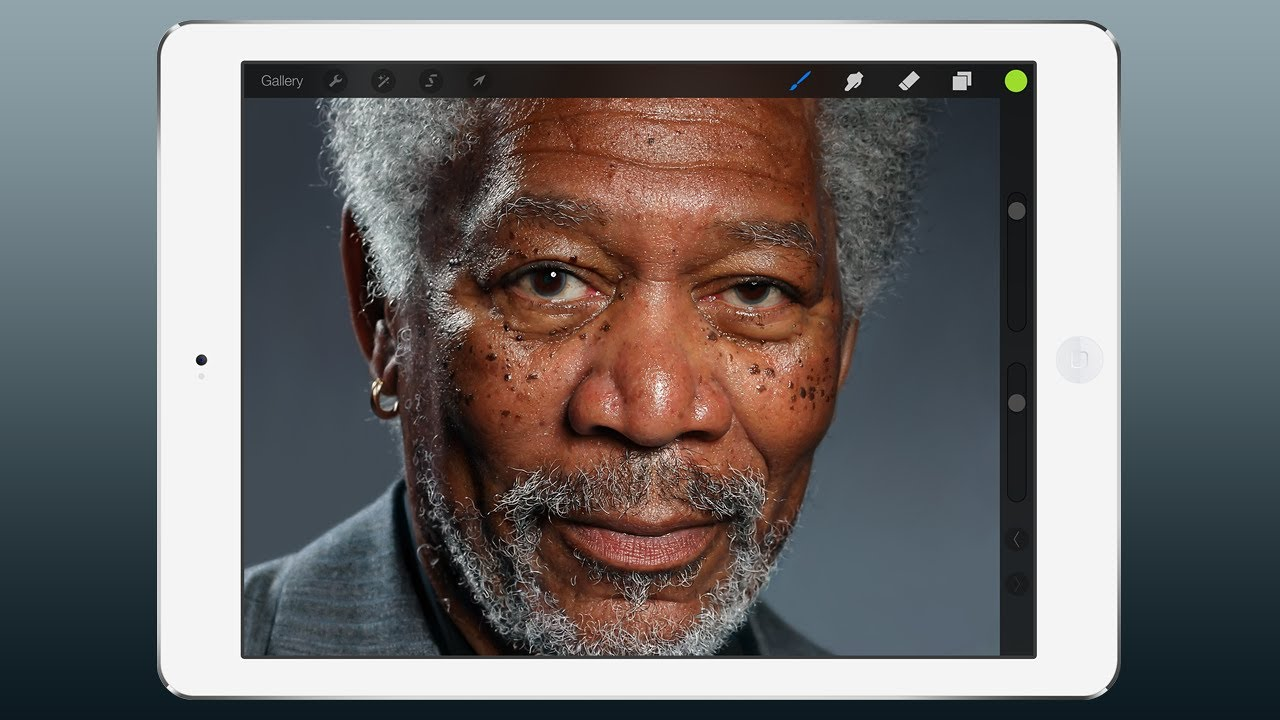 Morgan Freeman peint au doigt sur iPad