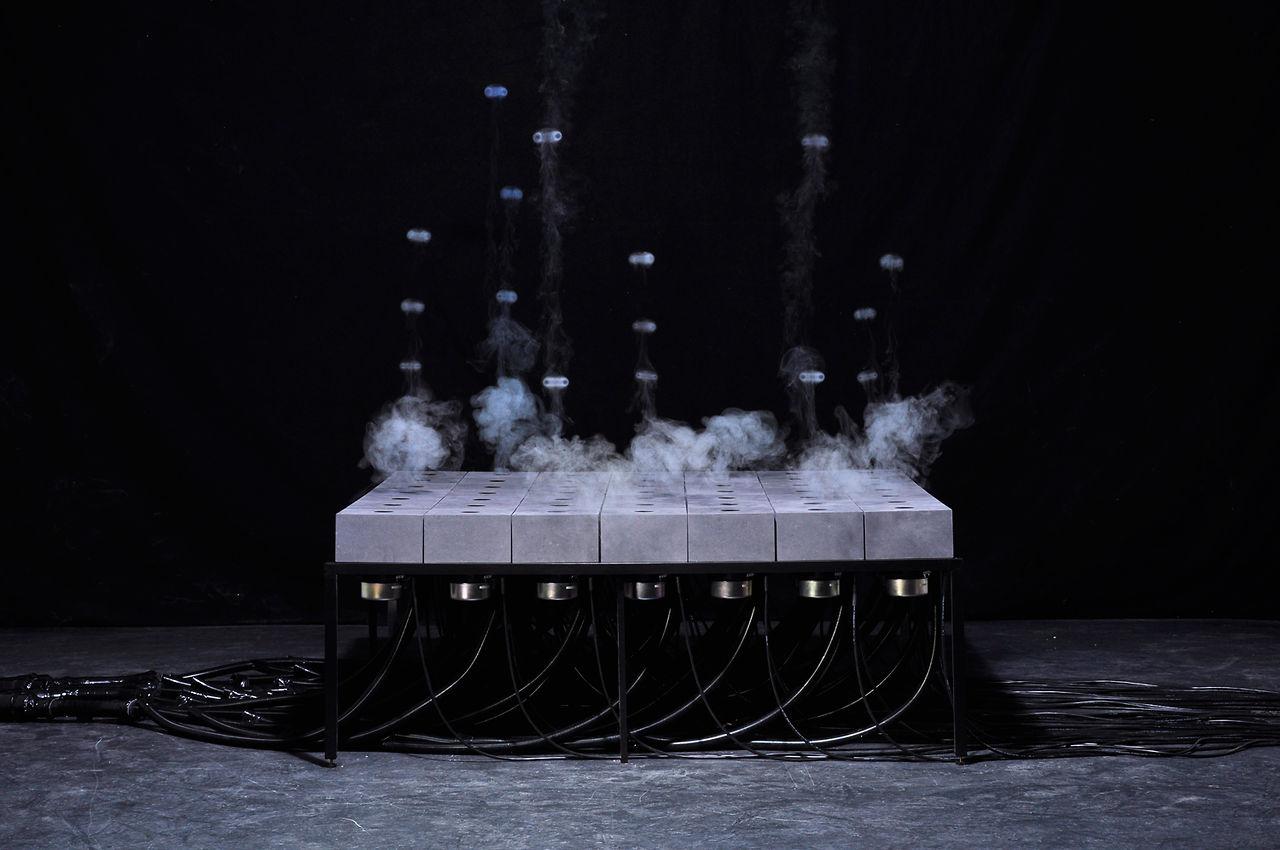 Des ronds de fumées avec du son