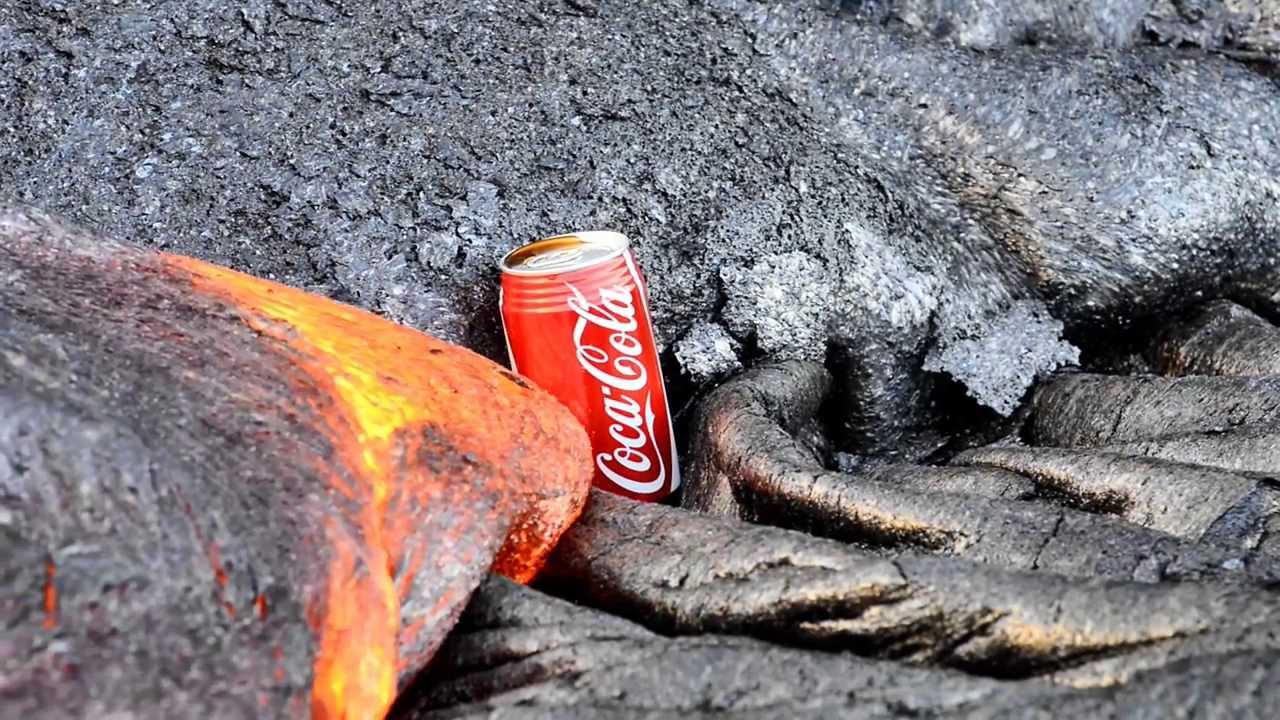 Un Coca dans de la lave