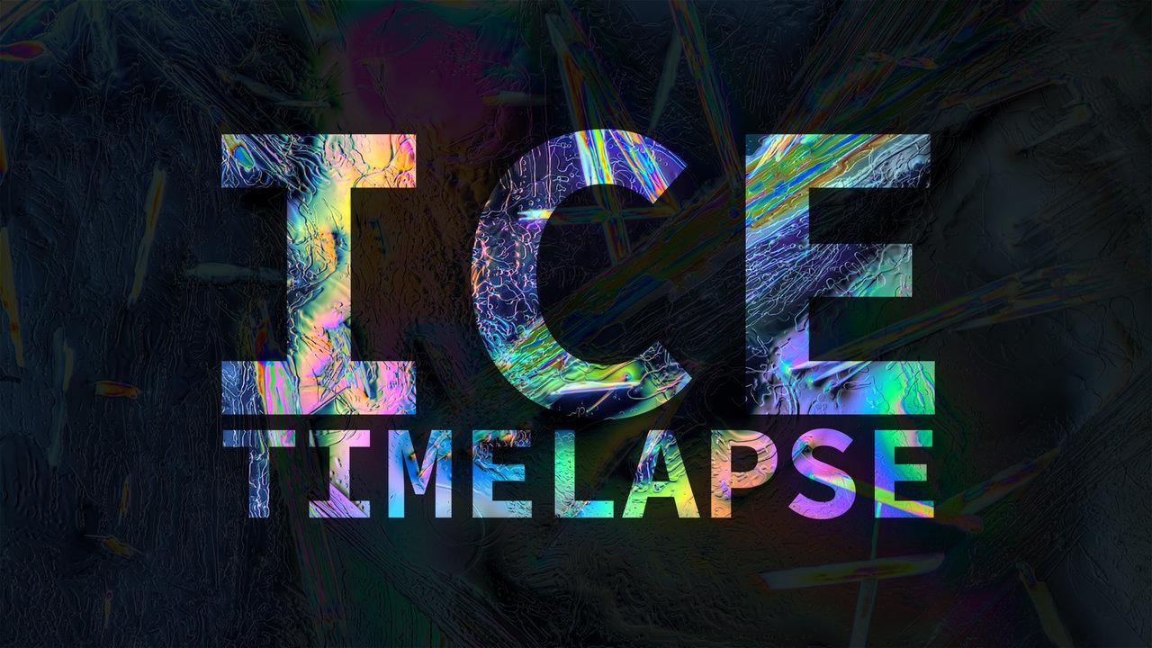 De la glace polarisée qui fond en timelapse
