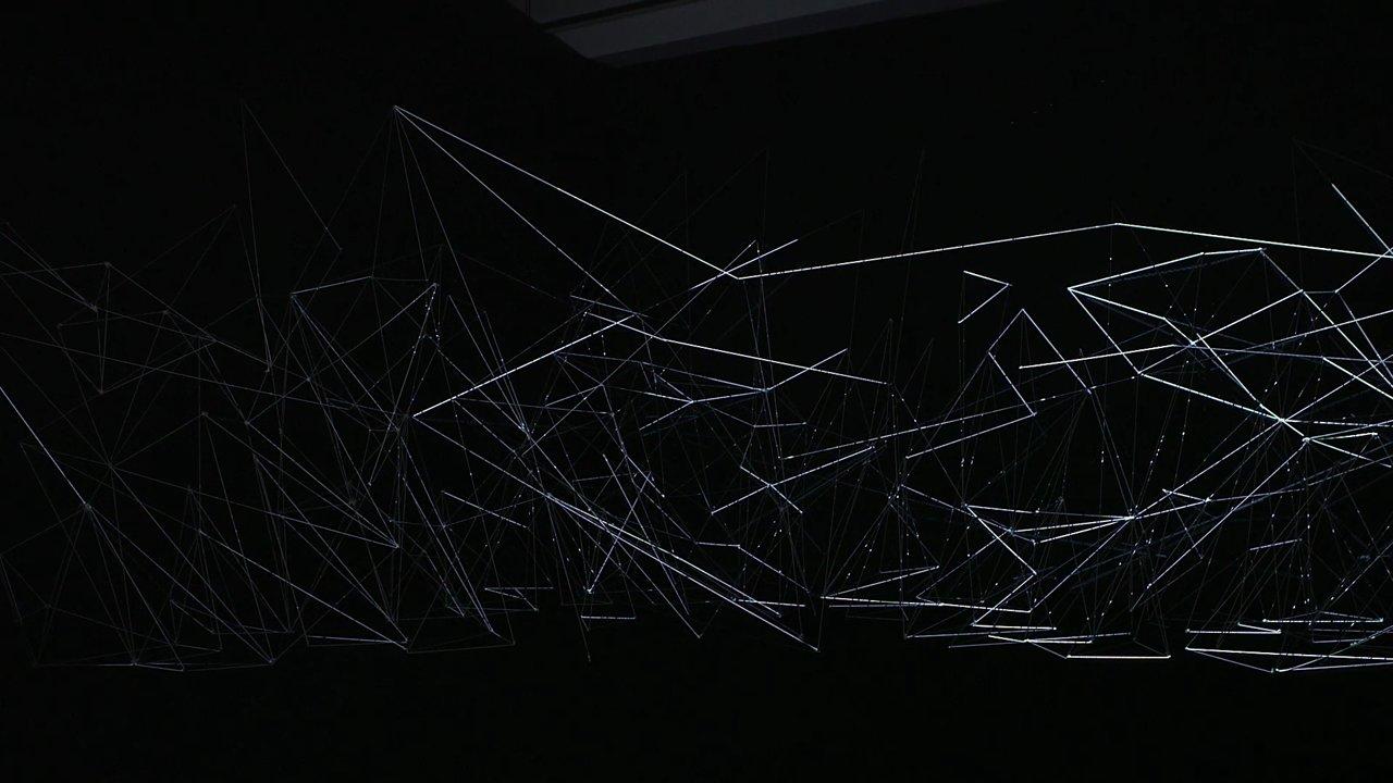 Projection sur des fils de nylon