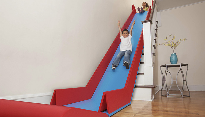 Un toboggan pour les escaliers for Toboggan pour escalier