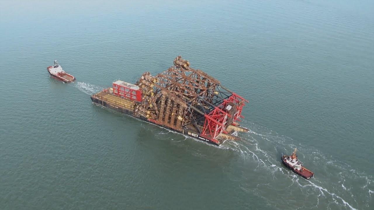 Comment ériger une plateforme pétrolière de 10 000 tonnes