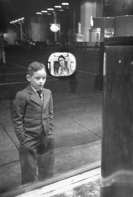 enfant-tv-magasin-1948