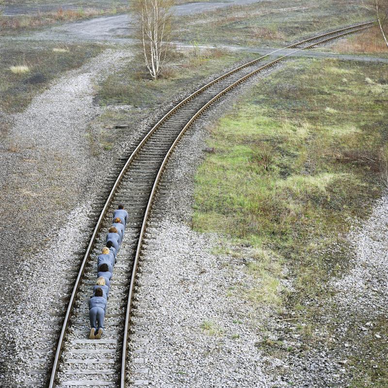 gens-etrange-paysage-03