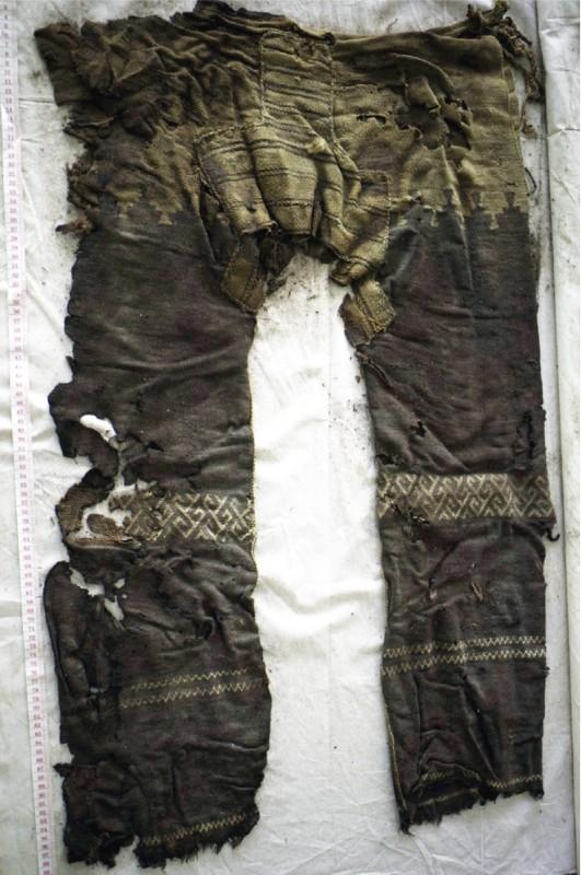 plus-vieux-pantalon-01