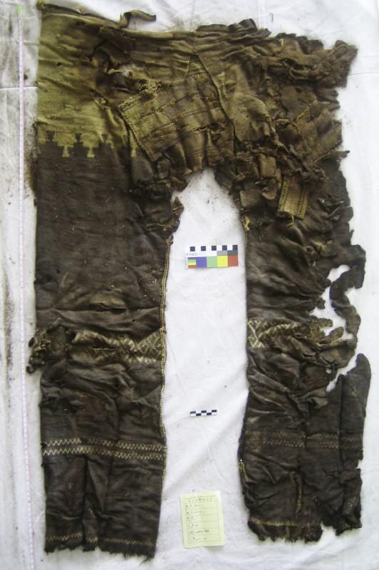 plus-vieux-pantalon-02