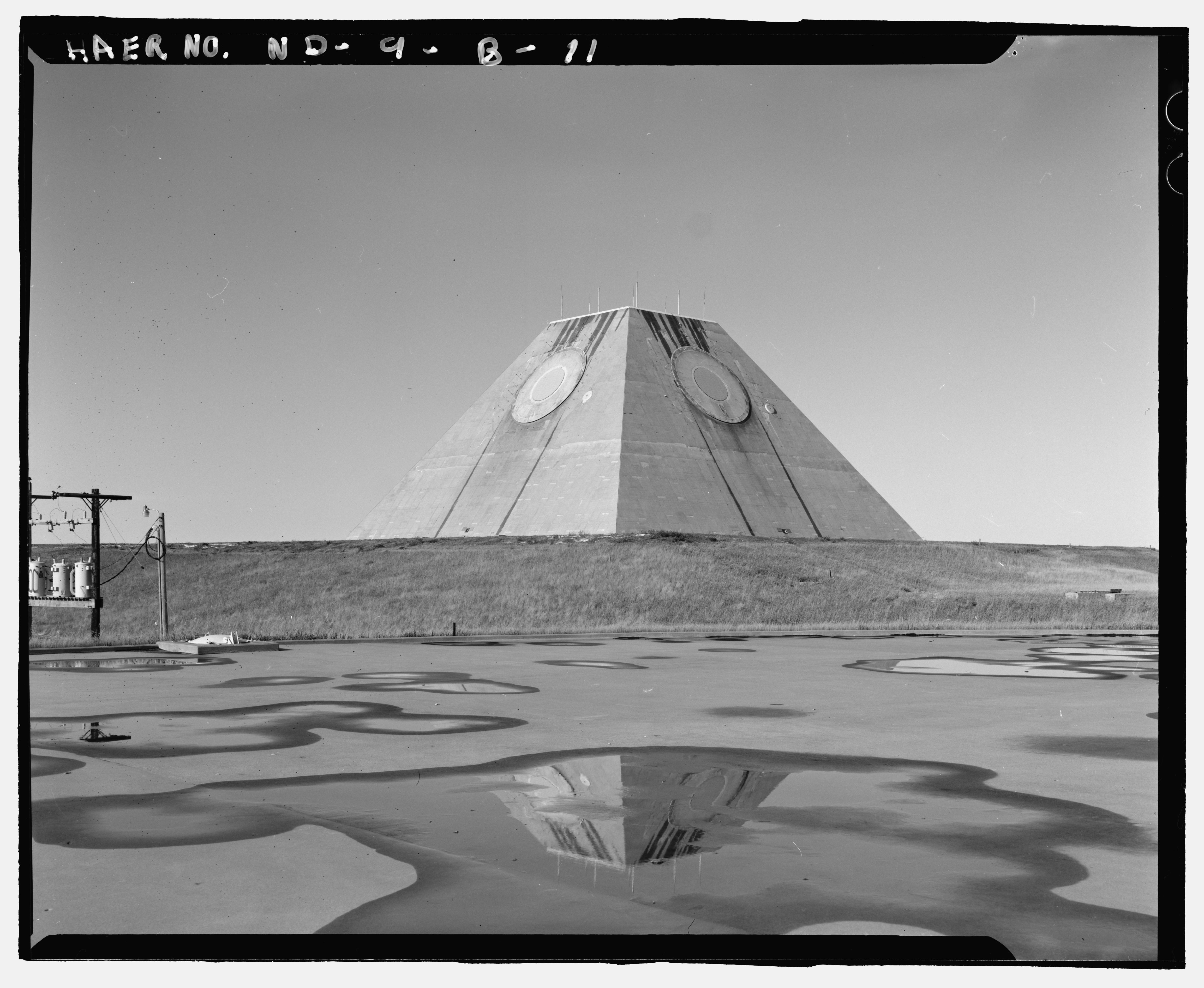 pyramide-dakota-nucleaire-01