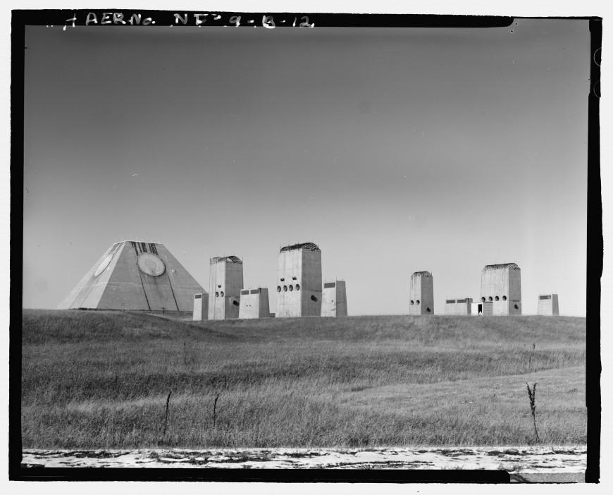 pyramide-dakota-nucleaire-02