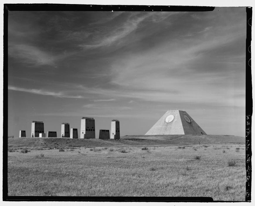 pyramide-dakota-nucleaire-03