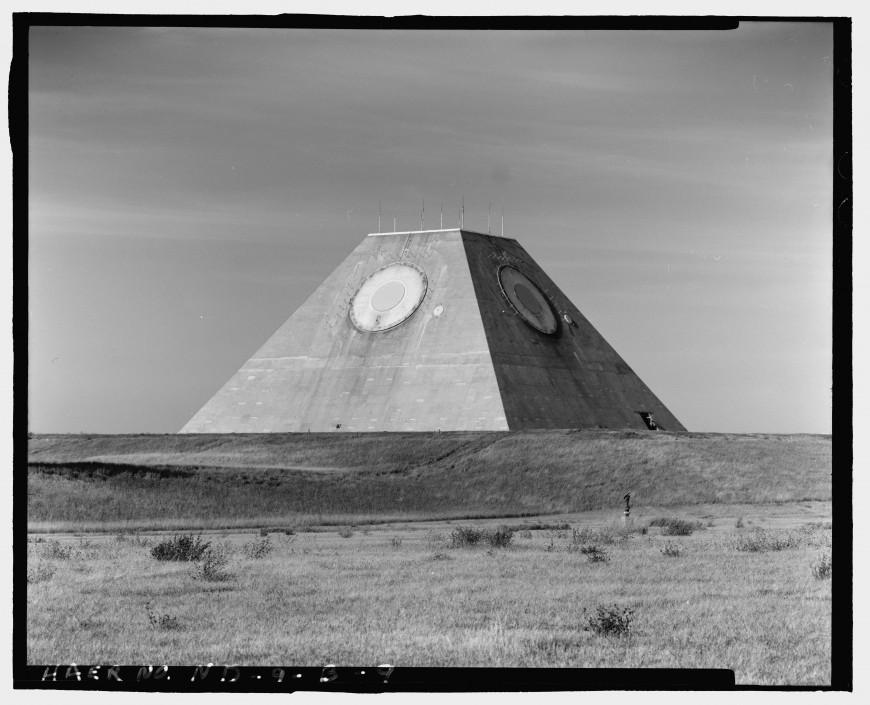 pyramide-dakota-nucleaire-04